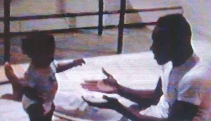 Homem encontra fita em videocassete e devolve para a família