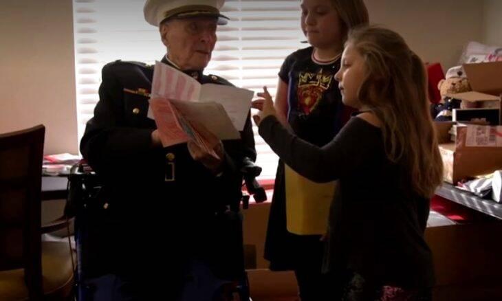 Veterano de 104 anos recebe 70 mil cartas no Valentine's Day