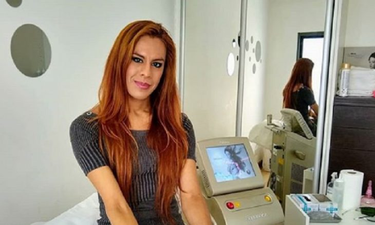 Diana Zurco se torna a primeira âncora trans de telejornal da Argentina