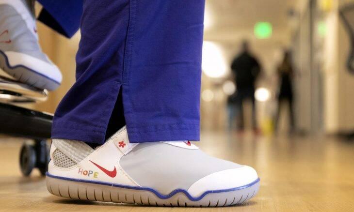 Nike anuncia doação de 140 mil produtos para profissionais da saúde