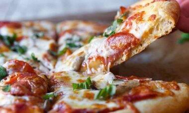 Idoso recebe pizzas há dez anos sem pedir
