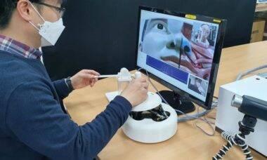 Cientistas criam robô capaz de fazer testes do covid-19
