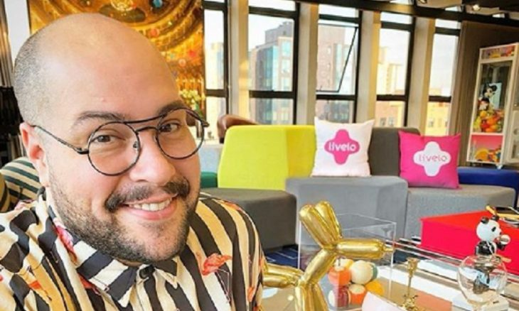 """Percebi que era gay quando ele era pequeno"": diz mãe de Tiago Abravanel"
