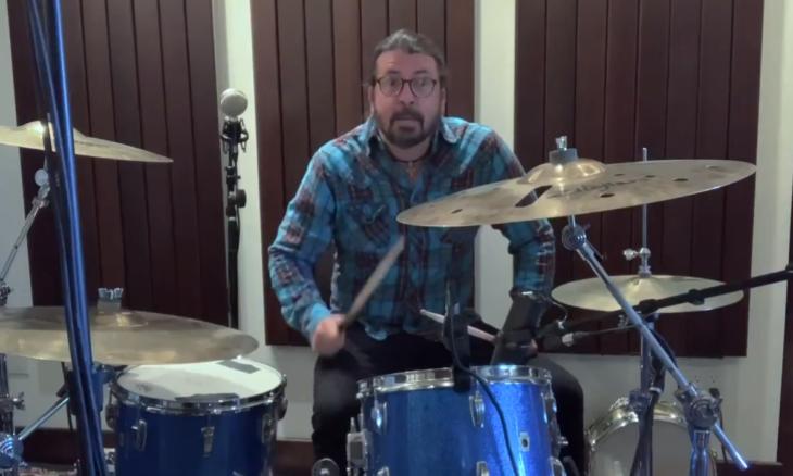 Dave Grohl cria música para baterista mirim