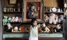 Fotógrafo registra crianças e seus brinquedos favoritos em imagens tocantes