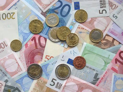 Moradores de rua ganham prêmio equivalente a R$ 329 mil na loteria