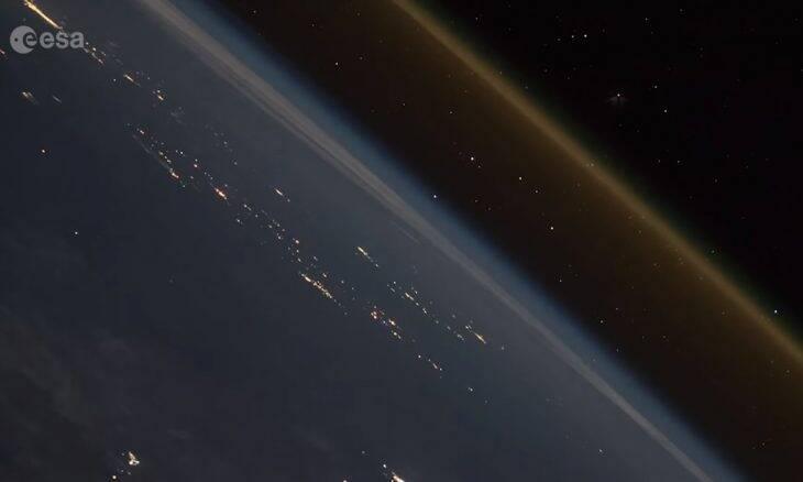 Vídeo mostra como é o lançamento de um foguete visto do espaço
