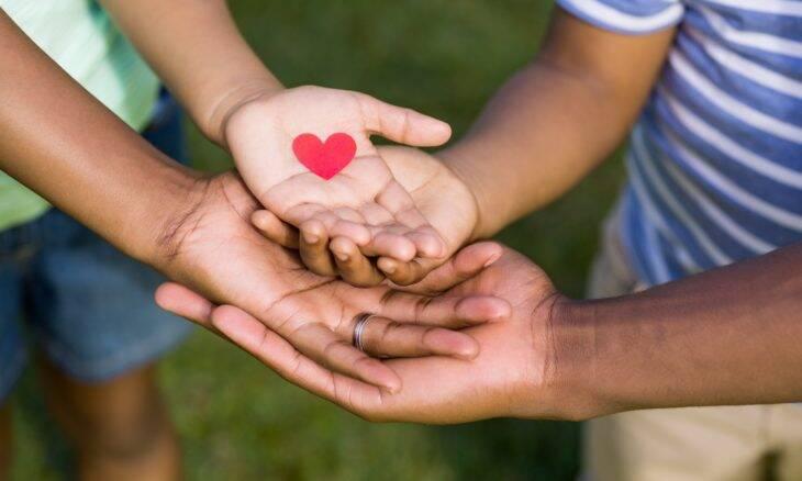 Atos de bondade ajudam a melhorar a saúde física e mental