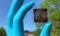Cientistas anunciam célula solar capaz de funcionar com a luz de lâmpadas