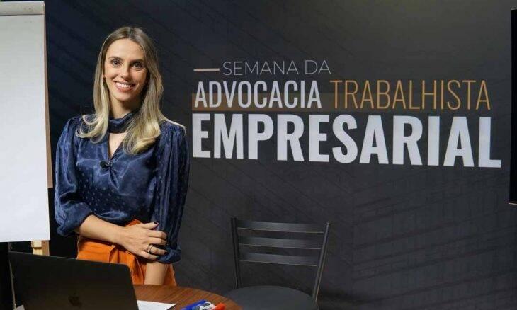 Conheça a trajetória da influente professora e especialista em direito trabalhista Rafaela Sionek. Foto: Divulgação