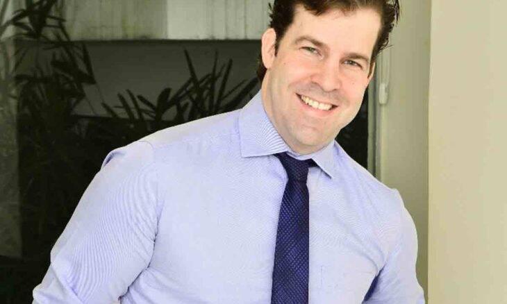 Dr. Thomas Benson: conheça o médico que é membro especialista das Sociedades Brasileira, Americana e Alemã de Cirurgia Plástica. Foto: Divulgação