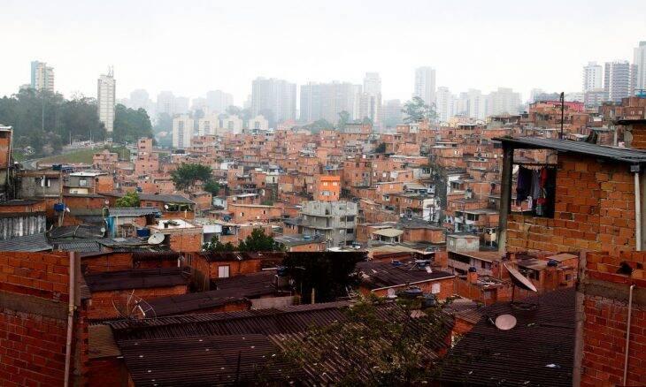 Projeto leva acesso à internet para 2,3 mil famílias de favelas em SP