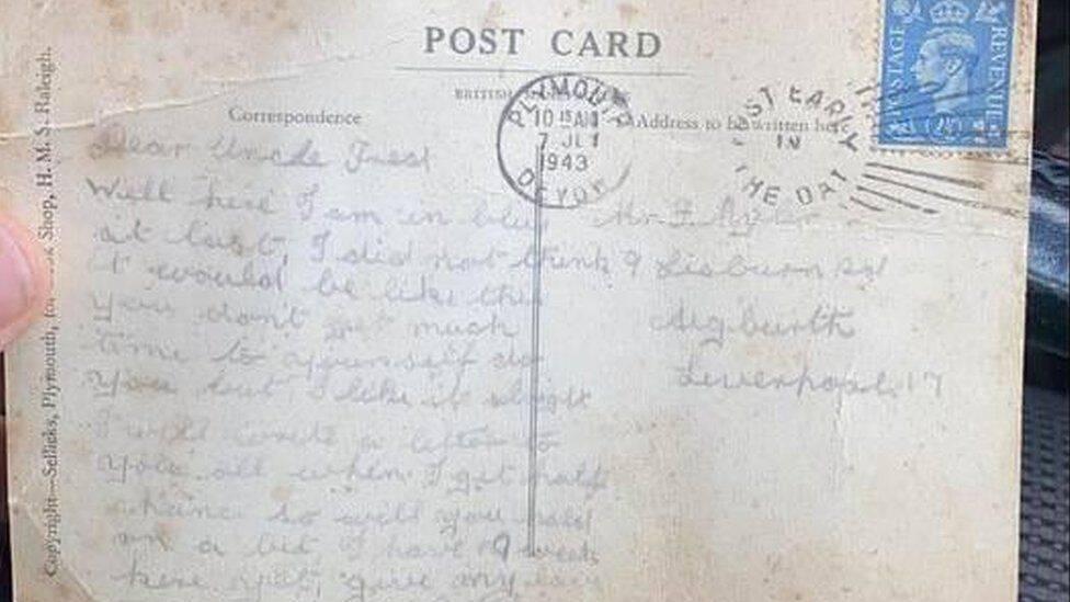 O postal enviado por Bill em 1943