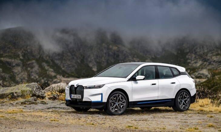 BMW apresenta o iX, um carro elétrico social e ecologicamente responsável