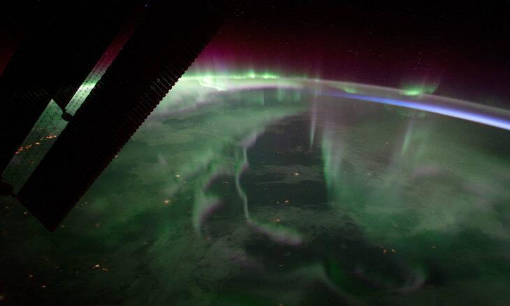 Vídeo mostra como é uma aurora boreal vista do espaço