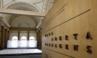 Casa França-Brasil reabre no RJ com exposição que celebra seus 30 anos