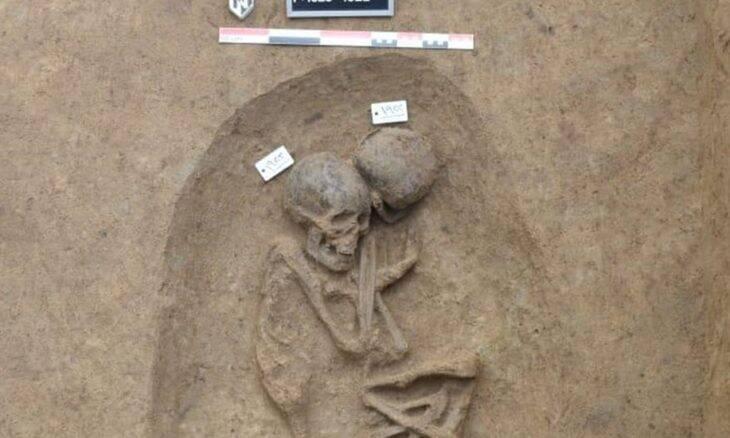 Arqueólogos descobrem 110 novas tumbas do Antigo Egito