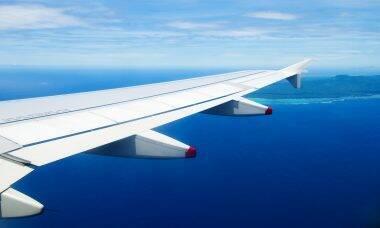 França aprova banimento de voos de curta distância