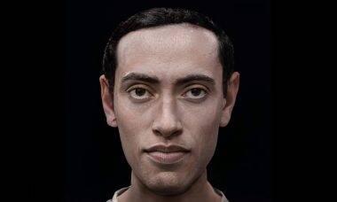 Artista dá vida para as estátuas dos faraós egípcios