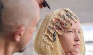 Cabeleireiro cria técnica para impressão de estampas nos cabelos