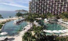 Resort de luxo no México banca as férias de 100 profissionais da saúde