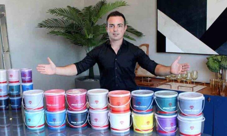 Influenciador Leonardo Arruda, o 'Leo Tintas', faz sucesso em todo Brasil
