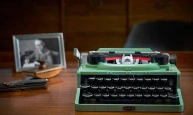 Lego cria máquina de escrever com mais de 2.000 peças