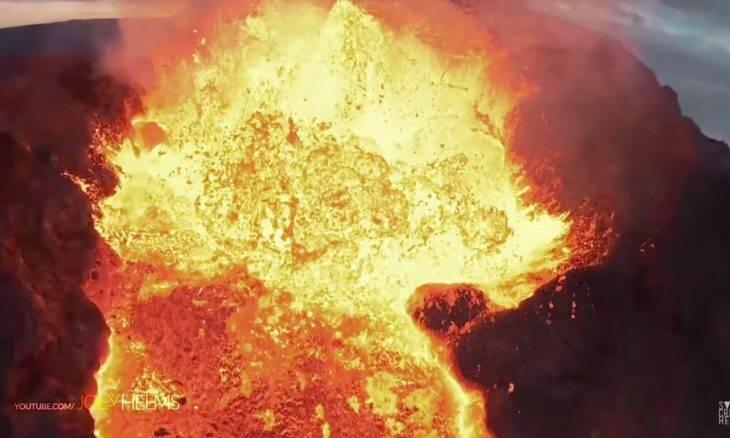 Drone registra seus últimos momentos antes de entrar em um vulcão em erupção