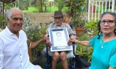 Conheça Emilio Flores Márquez, reconhecido pelo Guinness Book como o homem mais velho do mundo