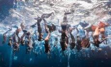Performance artística reúne 110 sereias e entra para o Guinness Book
