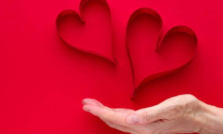 Maioria dos romances não começam com duas pessoas apaixonadas, aponta estudo