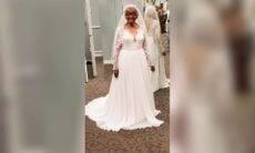 Aos 94 anos, mulher realiza sonho de usar vestido de noiva