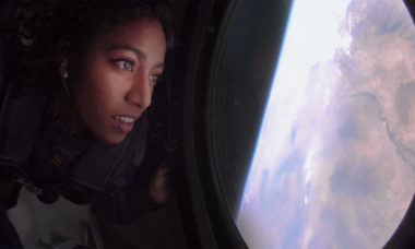 Richard Branson reabre venda de passagens para voo espacial