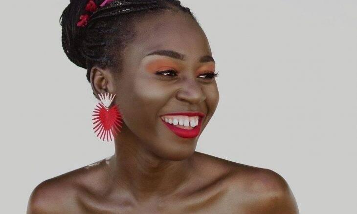 Modelo trans de 24 anos é finalista do Miss África do Sul