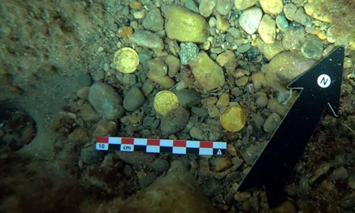 Mergulhadores acham tesouro em moedas romanas no litoral da Espanha