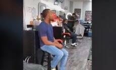 Homem viraliza no Tik Tok após cantar clássico da soul music em barbearia
