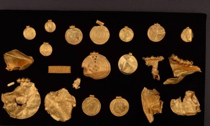 Tesouro de 1.500 anos é encontrado na Dinamarca