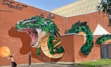 Artista transforma locais comuns com obras hiper-realistas