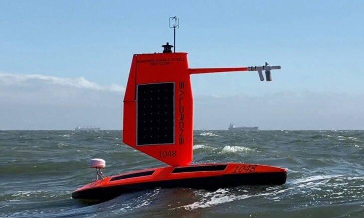 Drone marítimo mostra como é um furação visto de dentro