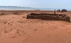 Seca no Rio Paraná revela ruínas de cidade submersa dos anos 1970